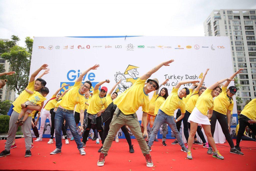 may áo thun quảng cáo sự kiện event đẹp 2